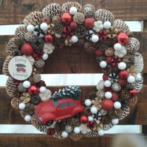 Karácsonyi ajtódísz – autós