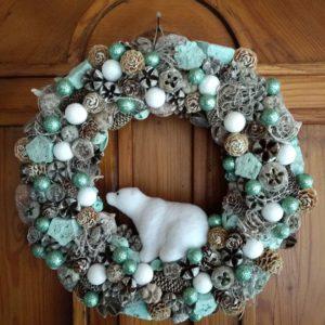 Karácsonyi ajtódísz – jegesmedvés