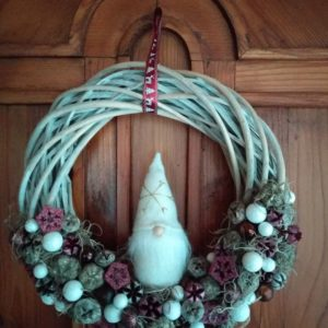 Karácsonyi ajtódísz – manós